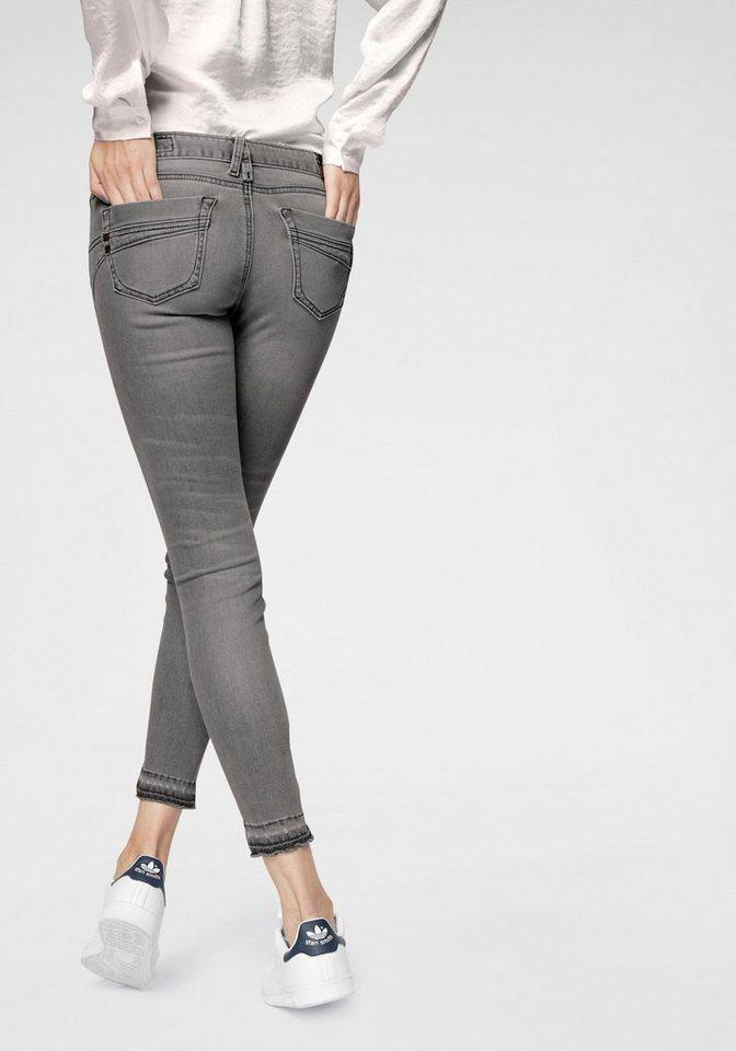 herrlicher -  Slim-fit-Jeans »TOUCH CROPPED« (1-tlg) Low Waist Ultra-Stretchjeans mit Cut Off Saum und Push-up-Effekt