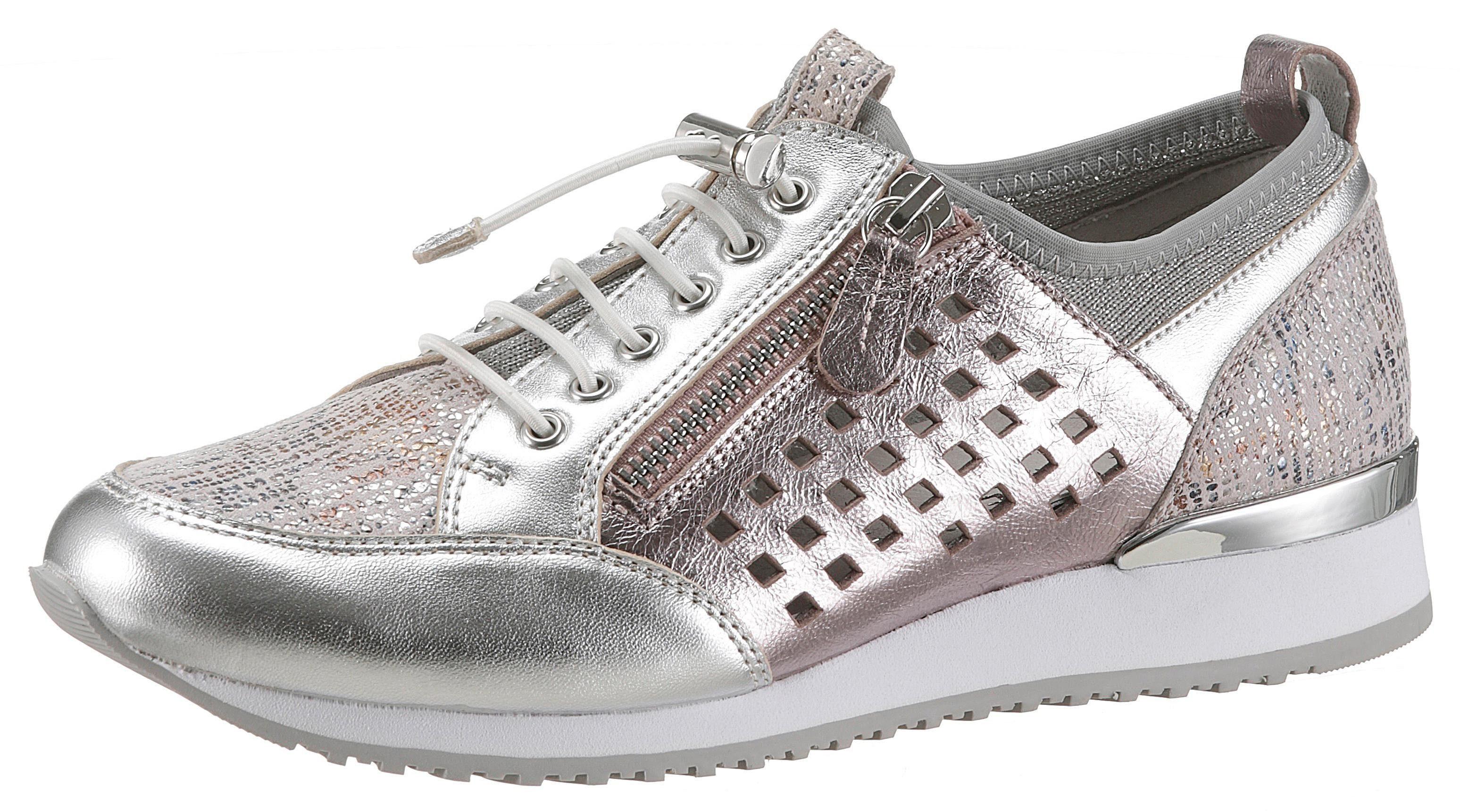 Caprice Slip-On Sneaker im coolen Metalliclook