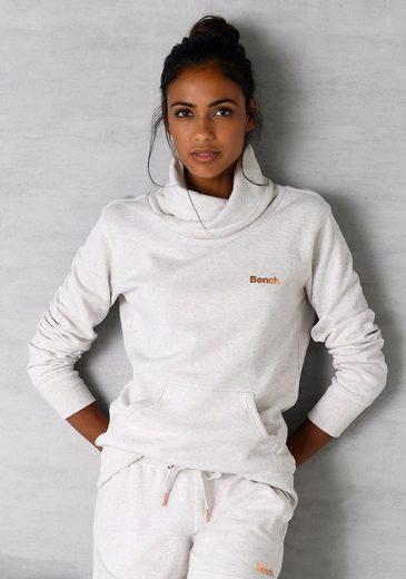 Bench. Sweatshirt mit Stehkragen in Layeroptik