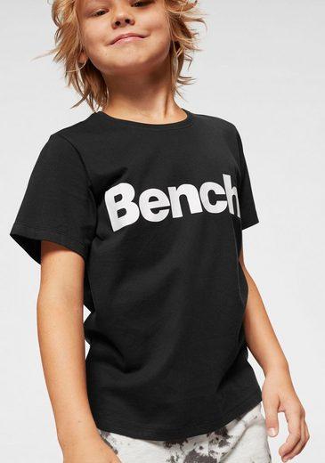Bench. T-Shirt mit Logodruck