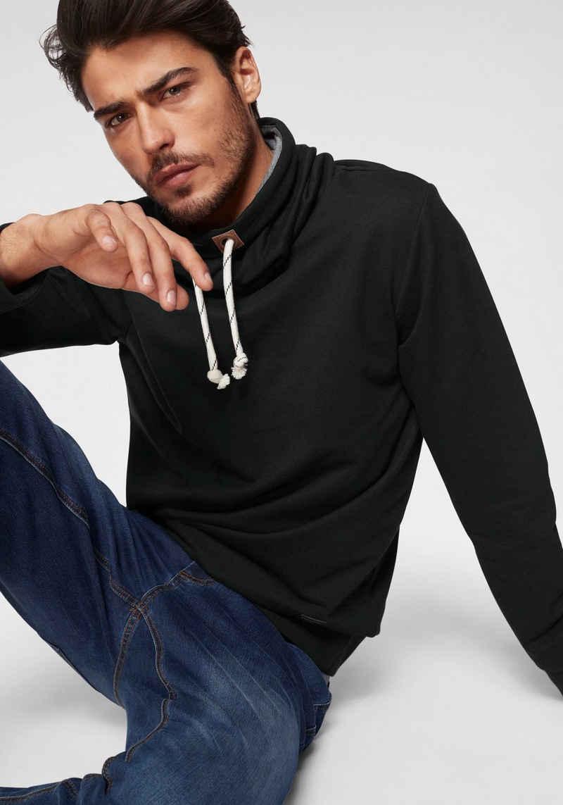 Bruno Banani Sweatshirt mit grauen Innenkragen
