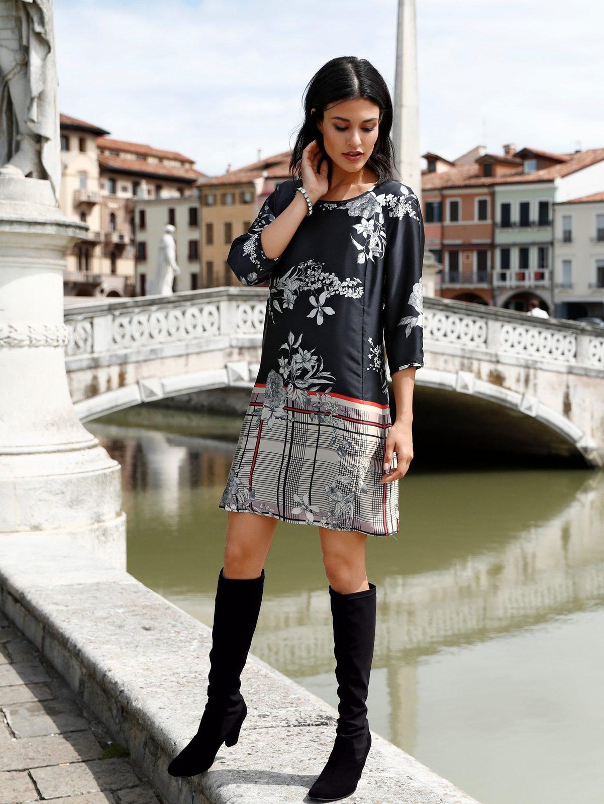 Alba Moda Kleid mit einem Mix aus Karo- und Blumendruck
