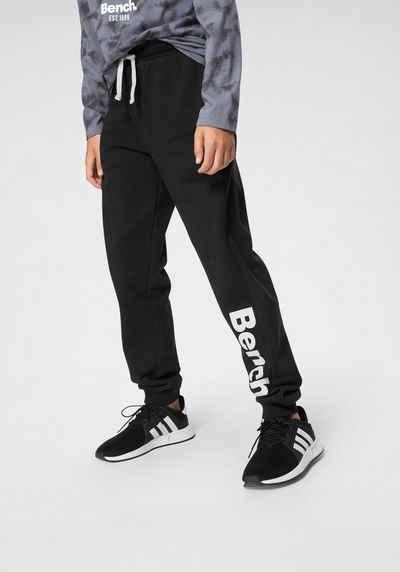 Bench. Sweathose mit großem Logo-Druck und Nahttaschen