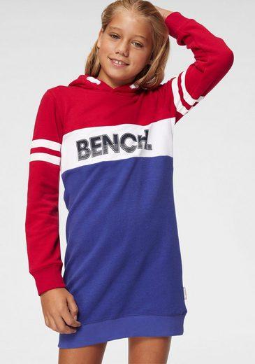 Bench. Sweatkleid mit Kapuze und Colorblocking