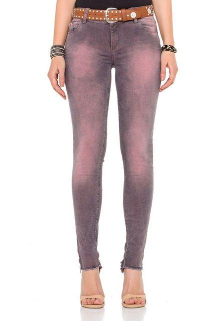 Hosen - Cipo Baxx Bequeme Jeans »inklusive Gürtel« im modischen Used Look › rosa  - Onlineshop OTTO