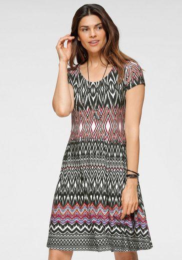 Boysen's Jerseykleid im modischem Ethno-Look