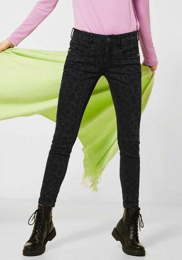 STREET ONE Slim-fit-Jeans »York« mit Anhänger