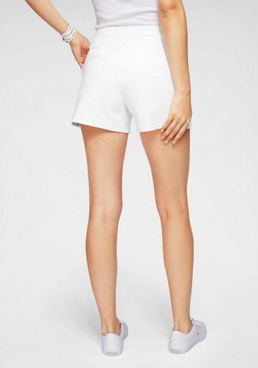 Lacoste Shorts mit verdecktem Reißverschluss
