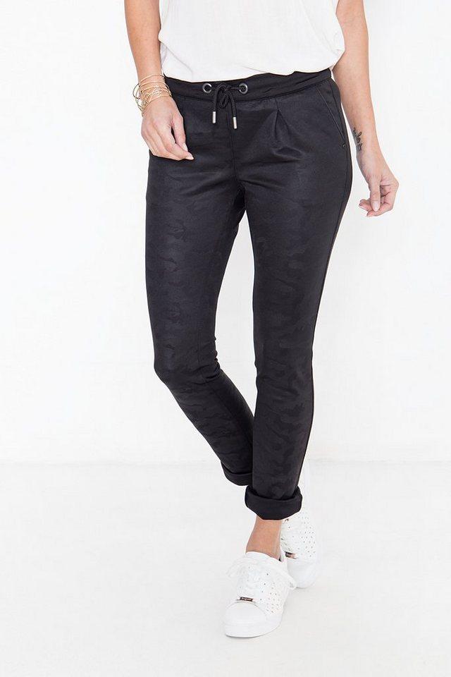 Damen ATT Jeans Jogginghose Celia mit tonigem Tarnmuster schwarz | 04251484677868