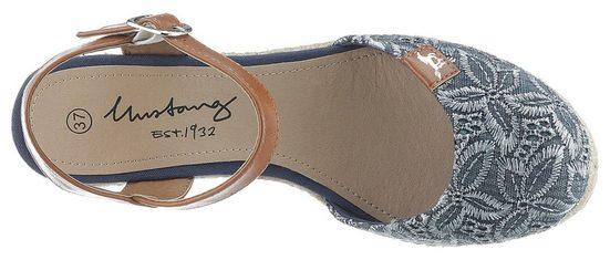 Mit Mustang Mustang Slingpumps Blütenstickerei Slingpumps Shoes Mit Blütenstickerei Shoes TFHF0nwqa