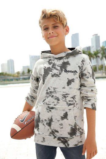 Bench. Kapuzensweatshirt mit coolem Batikdruck