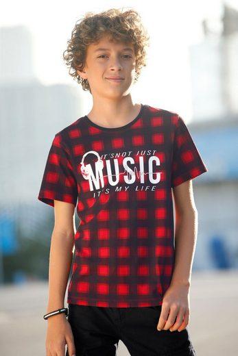 Buffalo T-Shirt in Karo-Alloverdruck und mit großem Druck vorn