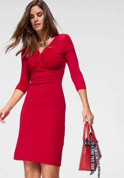 Вязаное платье Laura Scott