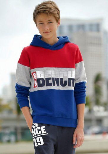 Bench. Kapuzensweatshirt im stylischem Colorblocking mit Druck