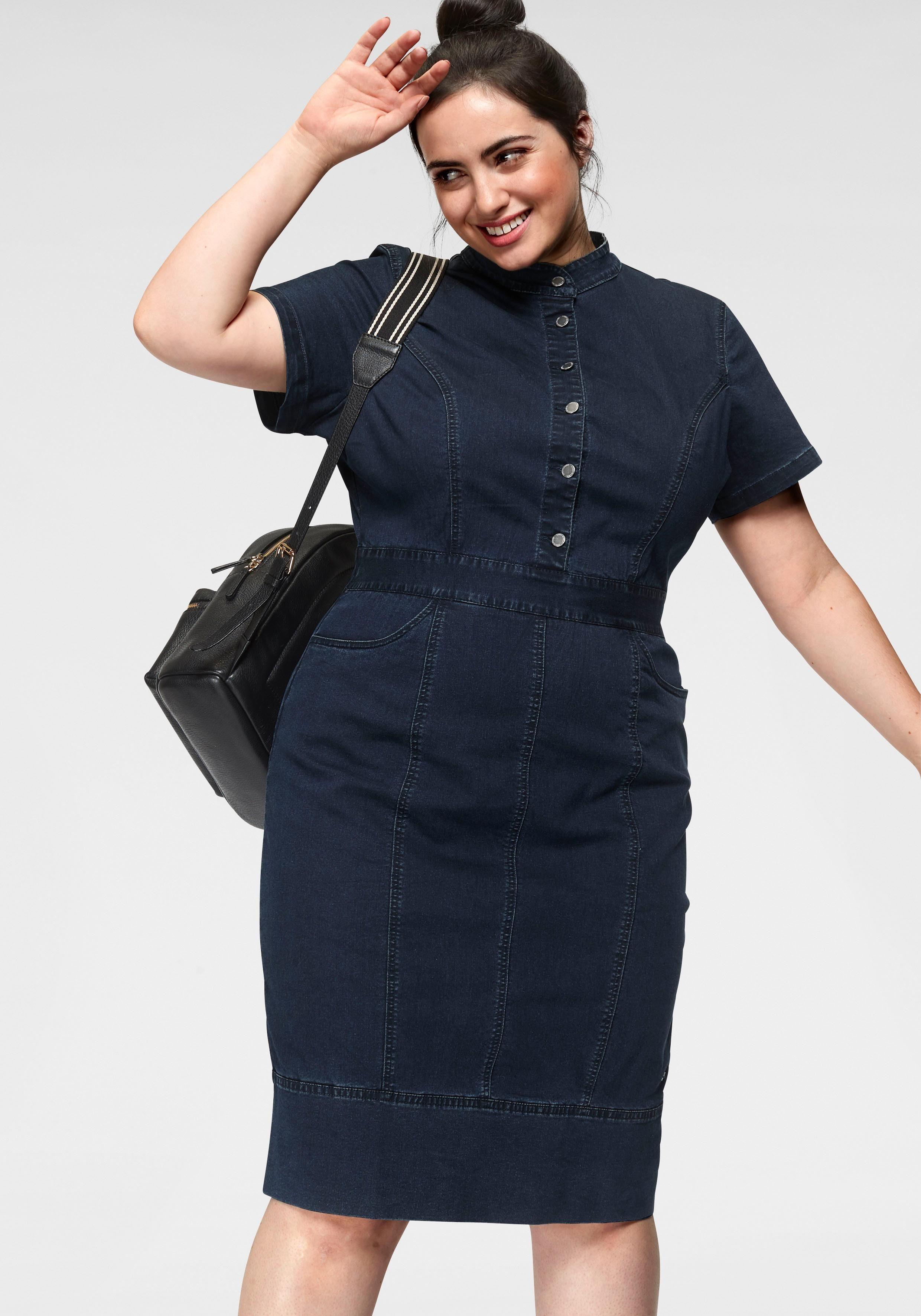 GMK Curvy Collection Jeanskleid mit Knopfverschluss