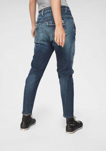 Diesel Boyfriend-Jeans »FAYZA« mit markanten Destroyed-Effekten & Schlitz unterlegt mit Patch