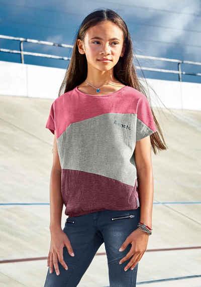 Bench. T-Shirt mit modischen Einsätzen