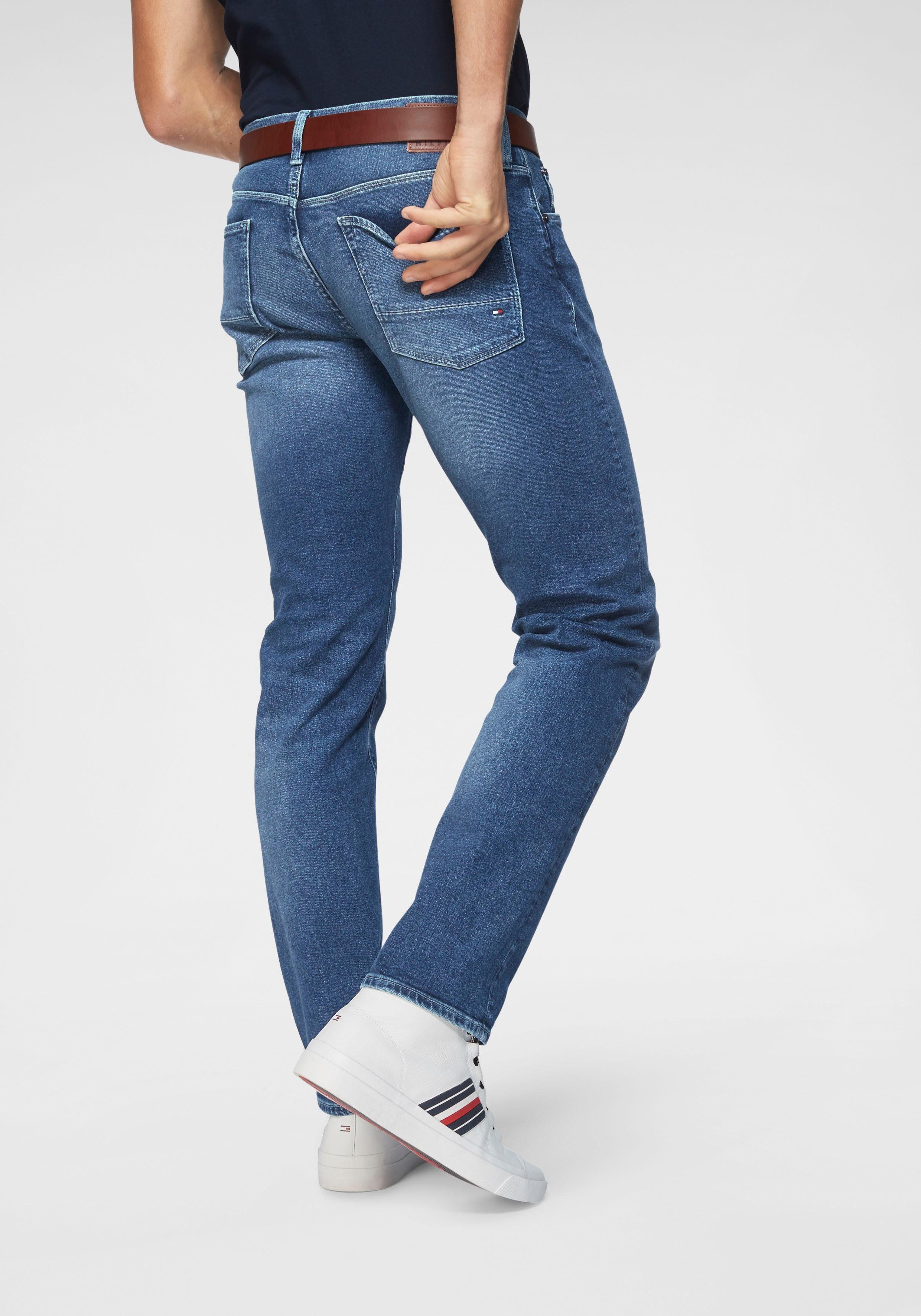TOMMY HILFIGER Straight Jeans »Denton«, Mit dezenter Waschung online kaufen   OTTO