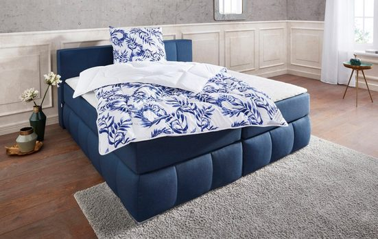Kunstfaserbettdecke, »Blue leaves«, Guido Maria Kretschmer Home&Living, warm, Füllung: 100% Polyester, Bezug: 100% Polyester, (1-tlg), Wende-Bettwaren