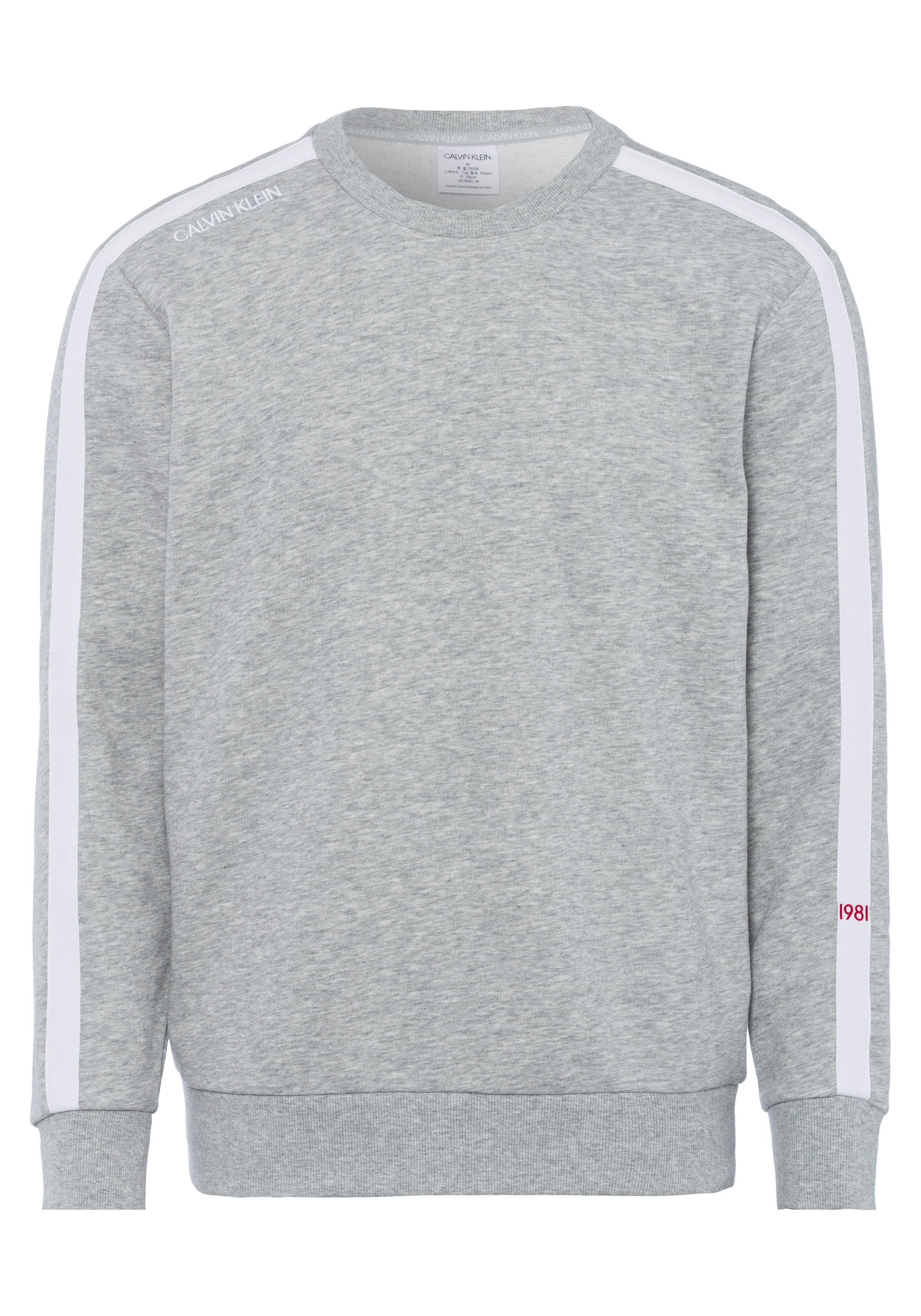 Calvin Klein Sweatshirt »Statement 1981« mit weißem Streifen am Ärmel online kaufen | OTTO