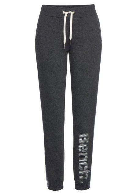 Hosen - Bench. Sweatpants mit Logodruck in Metalloptik ›  - Onlineshop OTTO
