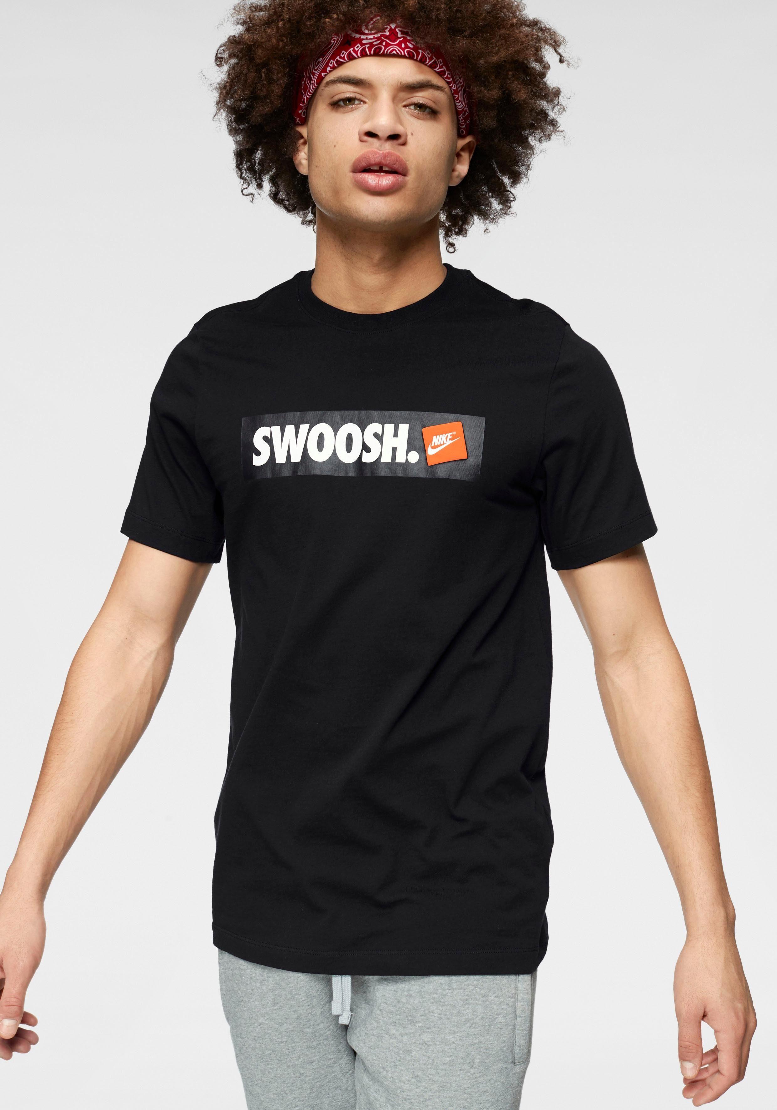 Nike Sportswear T-Shirt »M NSW TEE SWOOSH BMPR STKR«