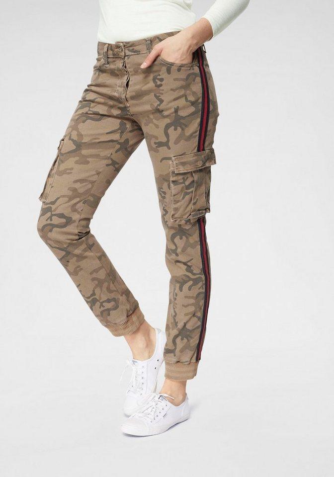 please jeans -  Cargohose mit kontrastfarbenem Galonstreifen