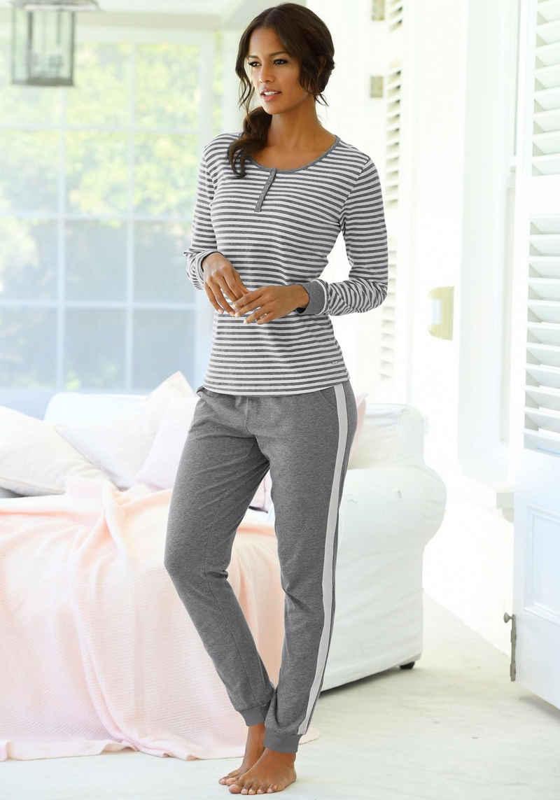 s.Oliver Pyjama mit seitlichen Streifen am Bein