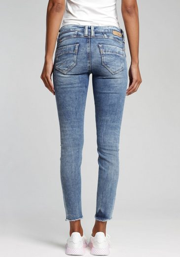 GANG Skinny-fit-Jeans »Nena Cropped« mit Destroyed-Effekten