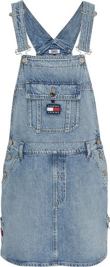 TOMMY JEANS Latzkleid »DUNGAREE DRESS CRLT« mit verstellbaren Trägern & den typischen Tommy Jeans Logo-Details