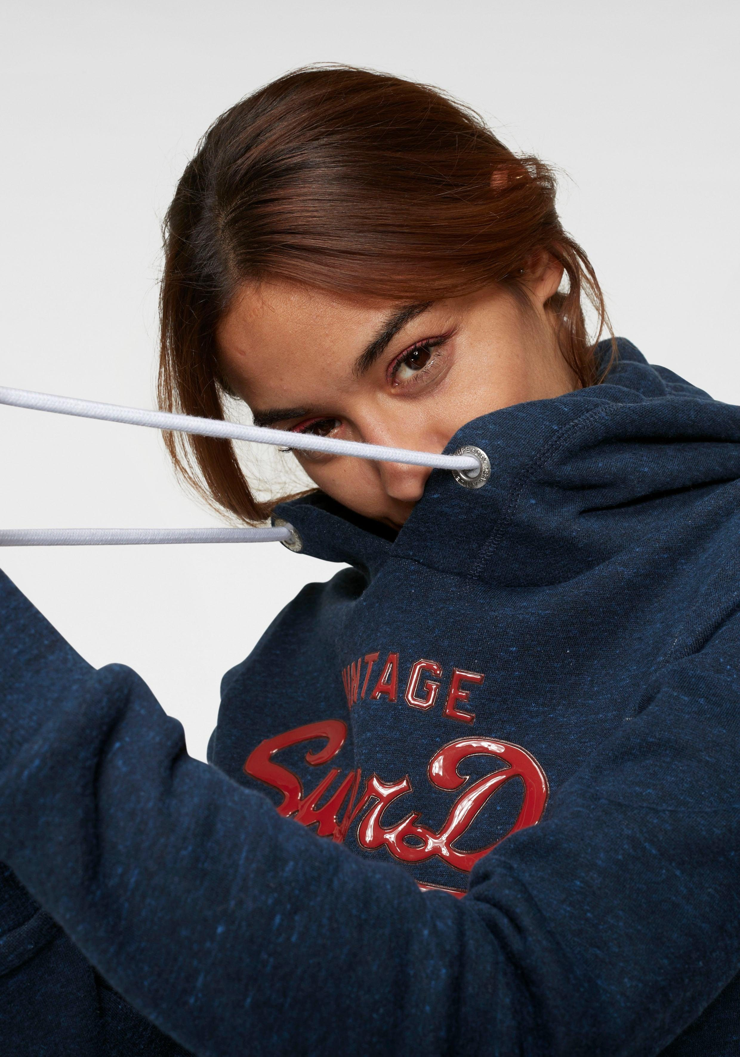 Kapuzensweatshirt Extravaganter Entry Goods Logoapplikation Kaufen Gloss Online »premium Hood« Superdry Mit 5AjLS4Rc3q