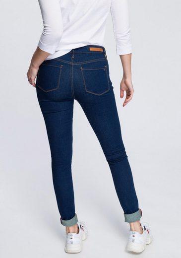 TOMMY HILFIGER 5-Pocket-Jeans im klassischen 5-Pocket-Stil