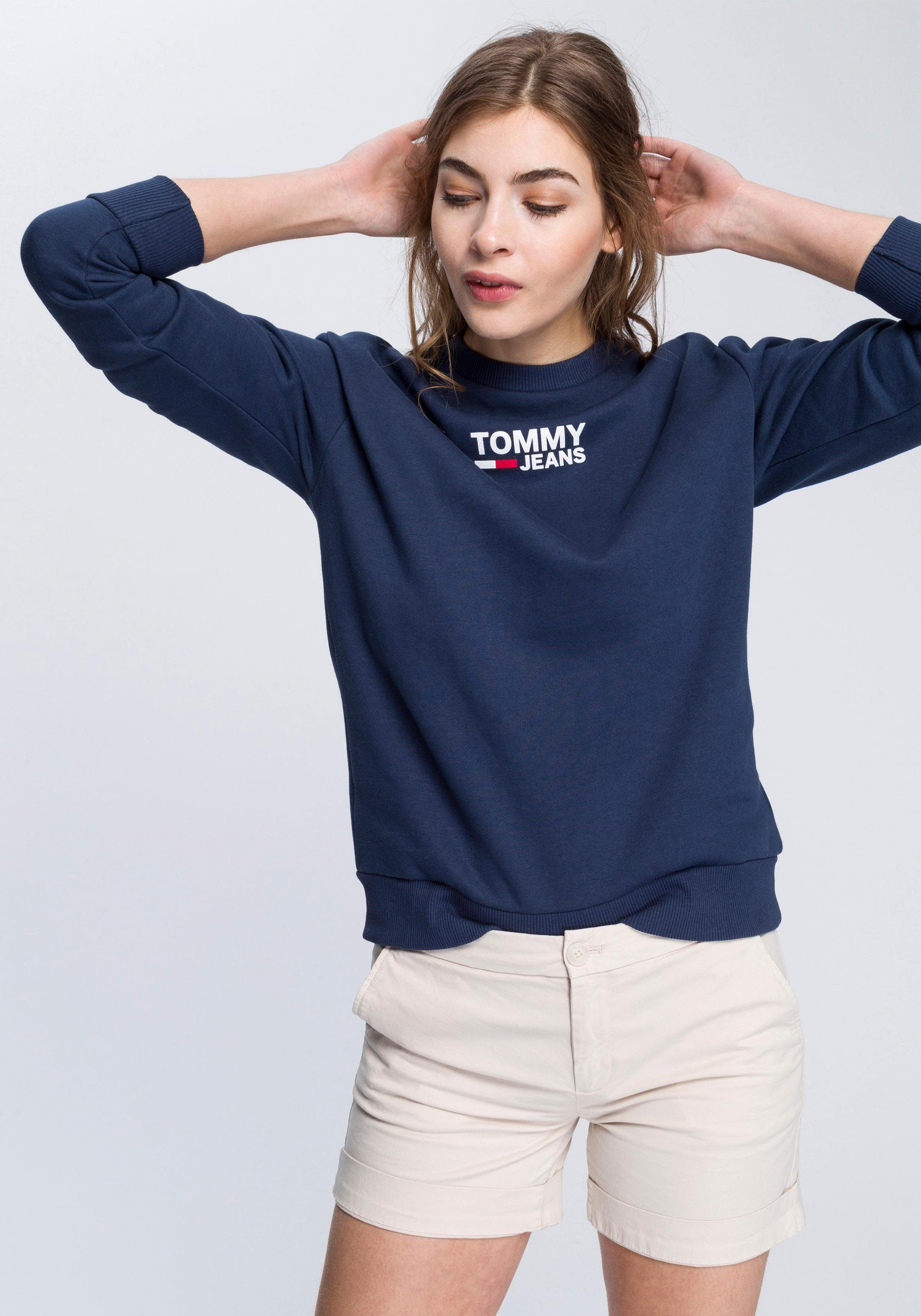TOMMY JEANS Rundhalspullover mit Markenprint und Logostitching