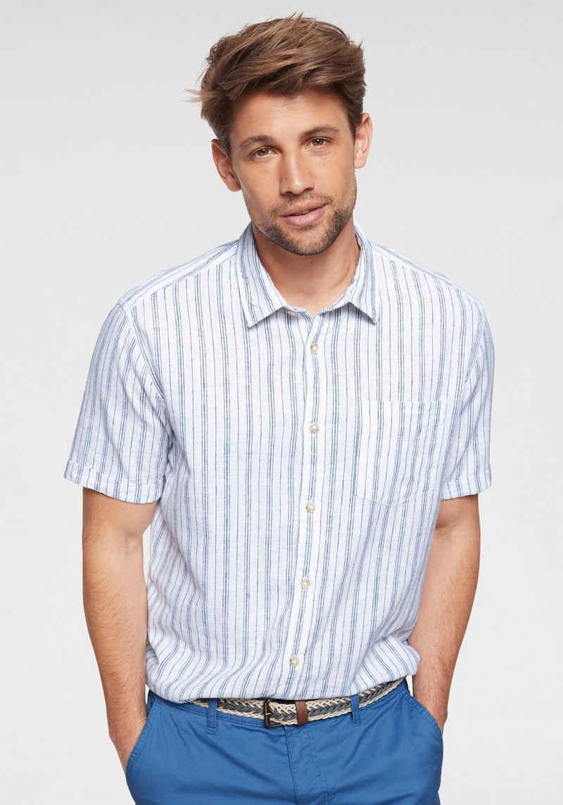 Esprit Kurzarmhemd in dezentem Streifendesign