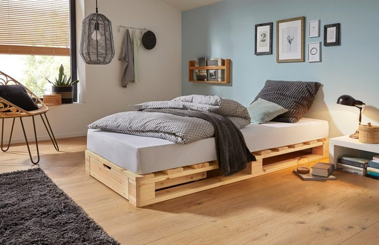 Palettenbett inkl. Bettkasten aus massiver Kiefer