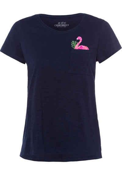 da9b7f49698a97 edc by Esprit T-Shirt mit tropischem Flamingoprint unter der Brusttasche