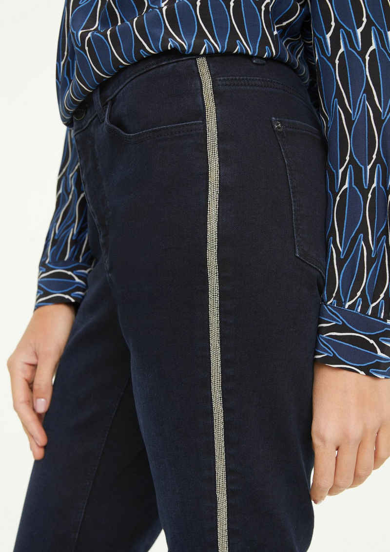 Comma 5-Pocket-Jeans »Skinny Fit: Jeans mit Tape-Detail« Waschung, Tape, Schmucksteine