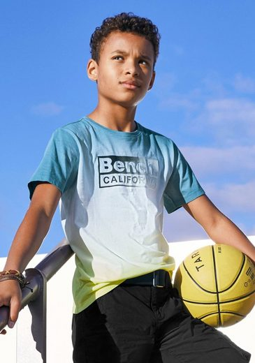 Bench. T-Shirt »mit Farbverlauf und Druck«