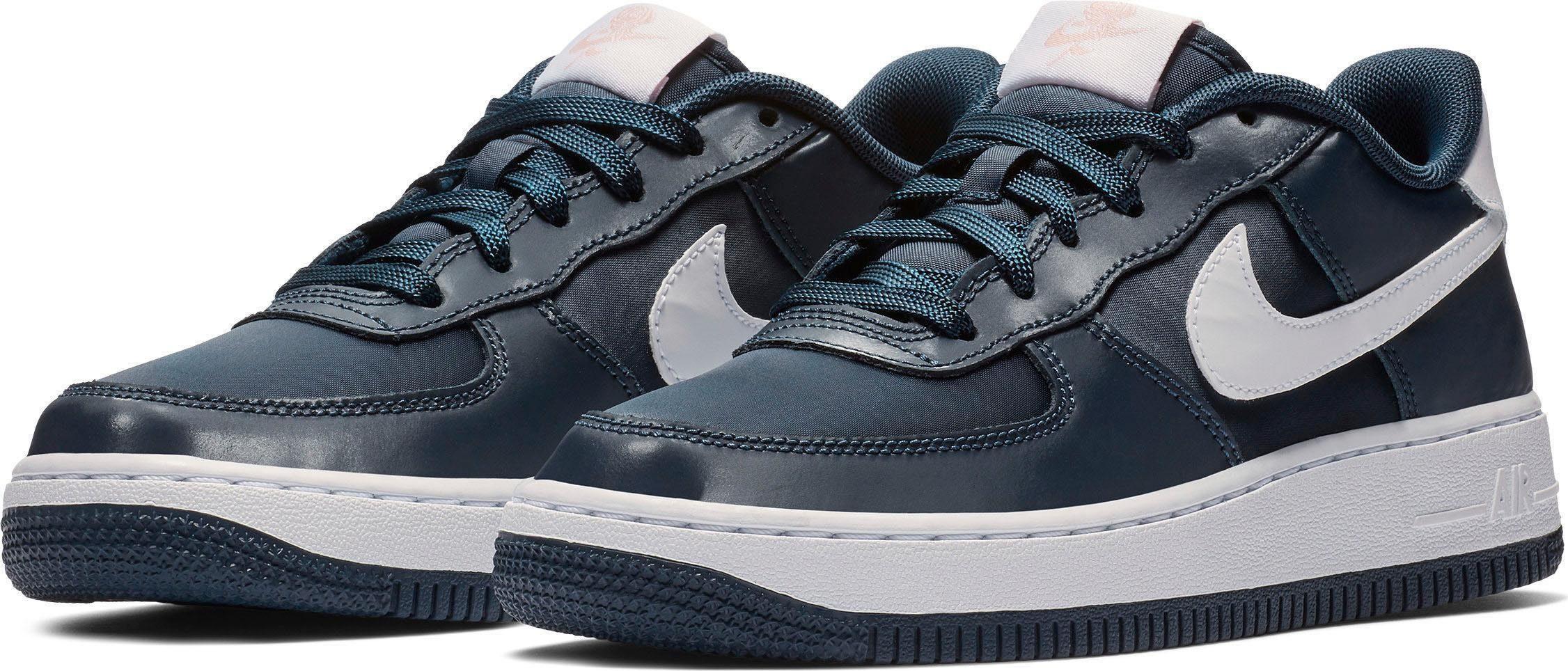 Stylische NIKE Sneaker Gr 36