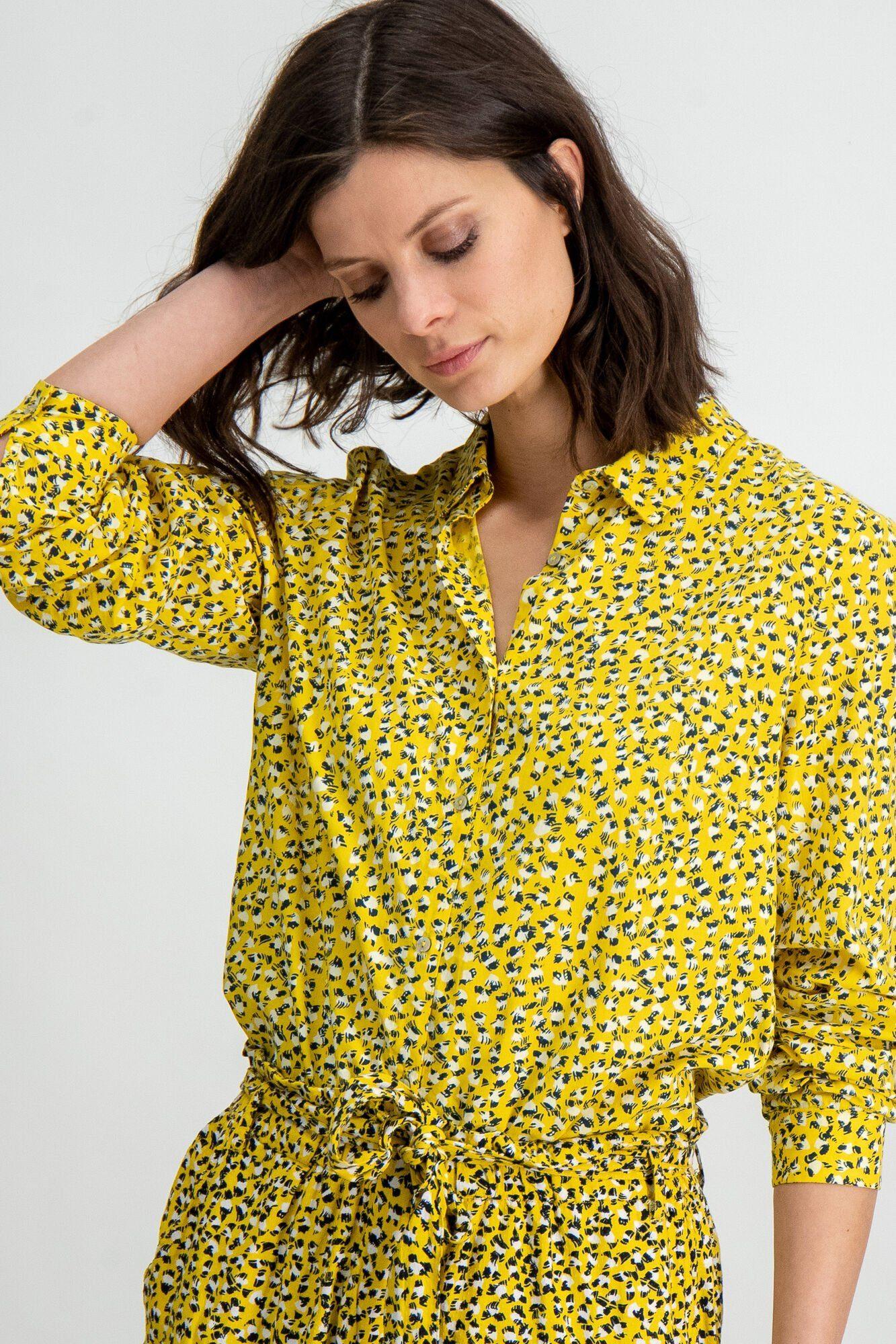 Klassische Bluse mit silbernen Punkten