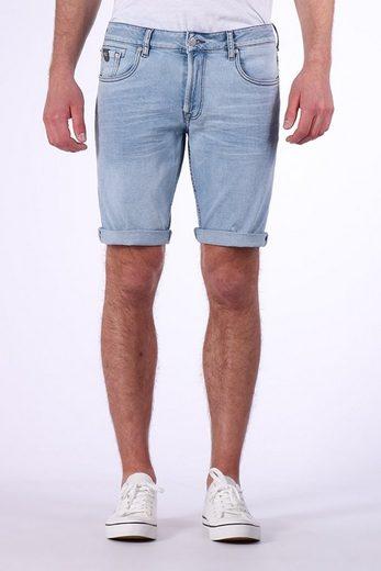 Kaporal Shorts mit gekrempelten Hosenbeinen