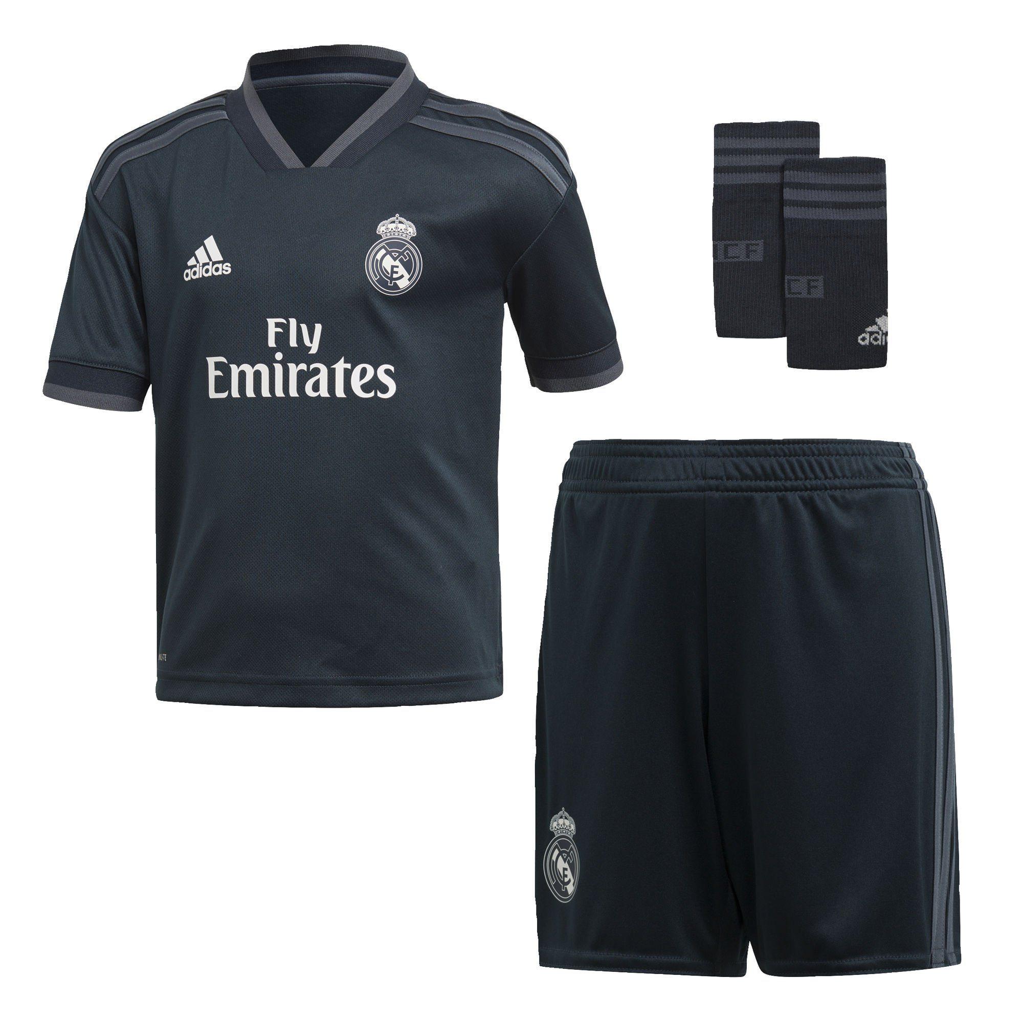 adidas Performance Sportanzug »Real Madrid«, Gestreifter V Ausschnitt online kaufen | OTTO
