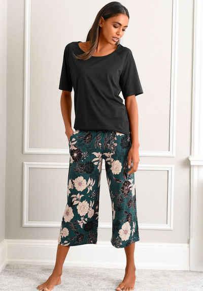 s.Oliver Capri-Pyjama mit geblümter 3/4-Culotte
