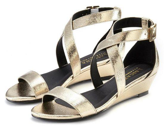 LASCANA Sandalette mit Keilabsatz und Glanz-Optik