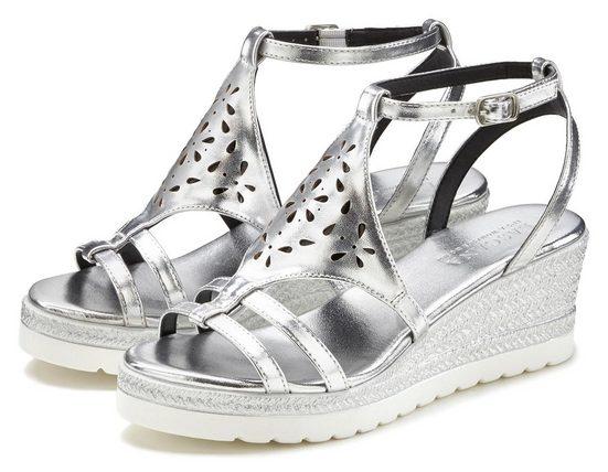 LASCANA Sandalette mit Keilabsatz und modischem Cut-Out Muster