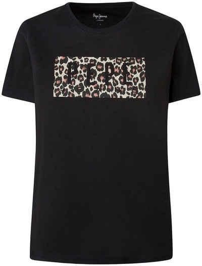 Pepe Jeans T-Shirt »CRISTINA« mit tollem Logo-Print in Leo Optik im Brustbereich