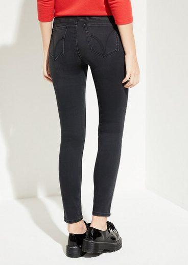 Comma Jeans mit glitzernden Seitenstreifen
