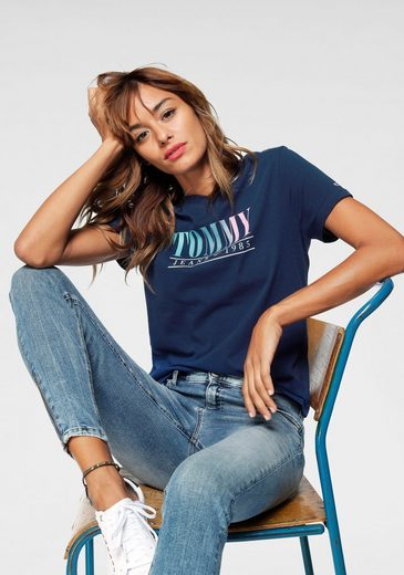 TOMMY JEANS T-Shirt »TJW SUMMER MULTICOLOR TOMMY TEE« mit Tommy-Print in Multicolor Farben
