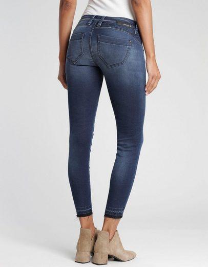 GANG 7/8-Jeans »Nikita« mit ausgefranster Kante am Beinabschluss