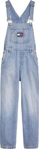 TOMMY JEANS Latzjeans »NEW DUNGAREE DENIM NTSLR« mit verstellbaren Trägern & großem Tommy Jeans Logo-Patch auf der Brusttasche